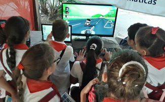 El sitio es un espacio virtual que integra un conjunto de contenidos y servicios relacionados con los videojuegos cubanos. Además permite a los usuarios interactuar con el portal desde los propios juegos, con el objetivo de publicar o compartir sus avances con la comunidad.