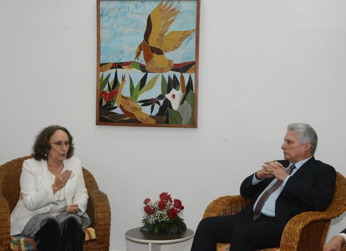 En un ambiente cordial, intercambiaron sobre el estado de los nexos entre la Secretaría General Iberoamericana y Cuba, y ratificaron la voluntad de trabajar por su fortalecimiento.