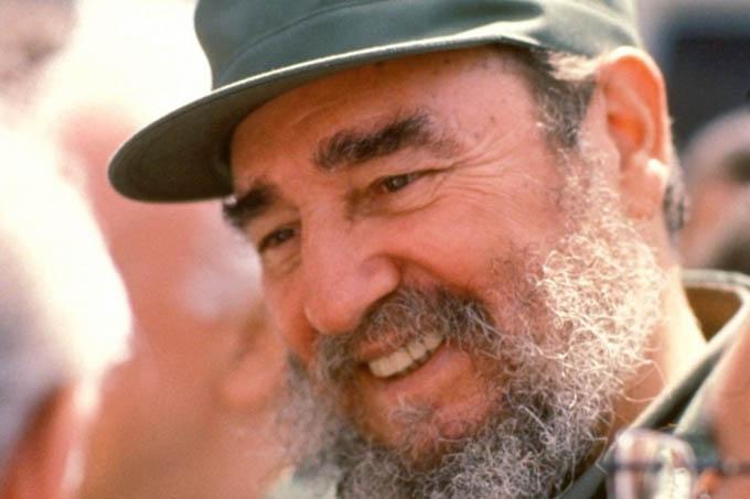 El capitalismo ha creado una sociedad llena de contradicciones, todo lo dilapida, especialmente los recursos naturales y los recursos humanos, afirmó Fidel Castro en Pedagogía 93.