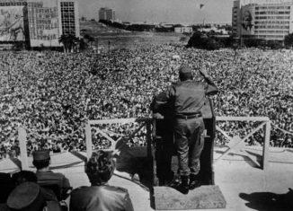 Un día como hoy en 1962, en la Plaza de la Revolución de La Habana, Fidel Castro informó al país sobre las maniobras del Gobierno de Washington y de aliados latinoamericanos para expulsar a Cuba de la Organización de Estados Americanos (OEA).