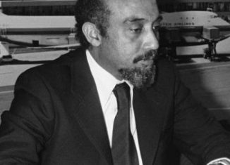 Dos Santos fue un poeta, revolucionario y político mozambiqueño, que se desempeñó como vicepresidente del partido de 1969 a 1977 y quien falleció este 11 de febrero a los 90 años de edad.