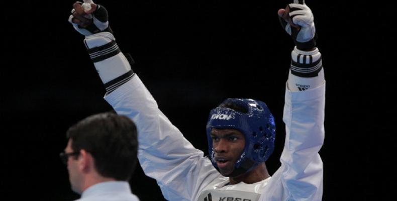 El santiaguero, doble campeón mundial, se impuso por superioridad en todos sus duelos. Derrotó por el oro (21-14) al kazajo Ruslan Zhaparov, finalista de los Juegos Olímpicos Río de Janeiro 2016.