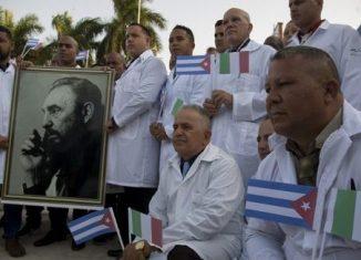 El mandatario compartió un artículo del rotativo Granma en el que se resume la decisión del gobierno cubano de enviar o reforzar brigadas médicas en Venezuela, Nicaragua, Granada, Surinam, Jamaica e Italia para apoyar en el combate a la Covid-19.