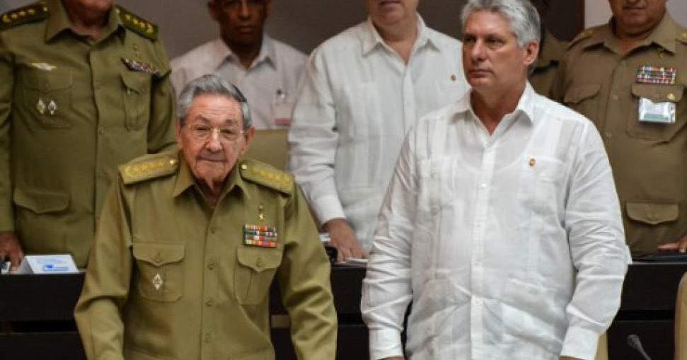 A partir del 30 de marzo, se impartirán y orientarán actividades docentes por medio de la televisión, en horarios que se precisarán. Los alumnos de centros internos retornan de inmediato. Se regula la salida del país de los cubanos, con el propósito de cuidar su salud y la de sus familias.