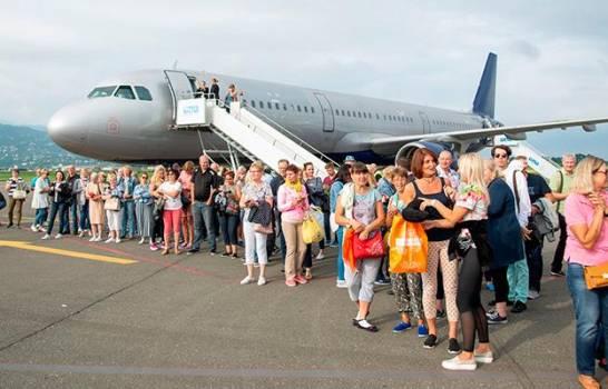 La suspensión desde este martes de los vuelos chárter públicos entre cualquier terminal área de Estados Unidos y Cuba, con excepción del aeropuerto internacional José Martí, forma parte del recrudecimiento del bloqueo a la isla.