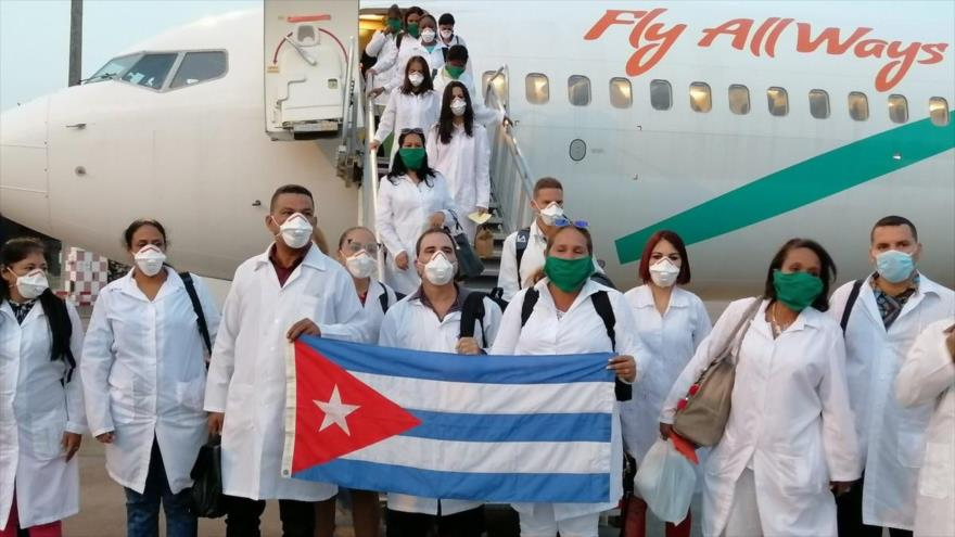 Cuba ha enviado hasta el momento a casi 600 médicos de la Brigada Henry Reeve, especializada en situaciones de desastres y graves epidemias, para luchar contra el coronavirus en el mundo, mientras Estados Unidos trata de disuadir las naciones de beneficiarse de esa ayuda.