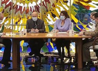 La ministra de Educación, Ena Elsa Velázquez Cobiella, explicó que, una vez reiniciado el curso escolar, lo cual dependerá del comportamiento de la pandemia, se necesitarán ocho semanas para culminar el periodo lectivo 2019-2020 y preparar las condiciones de la próxima etapa.