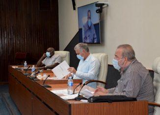 Examinaron el cumplimiento de los planes integrales de enfrentamiento a las ilegalidades de carácter urbanístico al cierre de 2019 por parte de las administraciones locales del Poder Popular provinciales y municipales, donde La Habana tiene el mayor inventario.