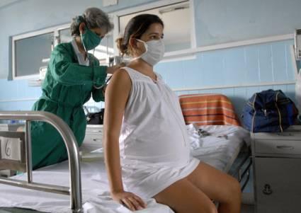La doctora Noemis Doris Causa Palma, directora del PAMI, declaró que en medio de la pandemia en la mayor de las Antillas se mantiene el seguimiento prenatal, extremando las medidas de prevención ante la COVID-19, tanto para pacientes como para los trabajadores de la salud.