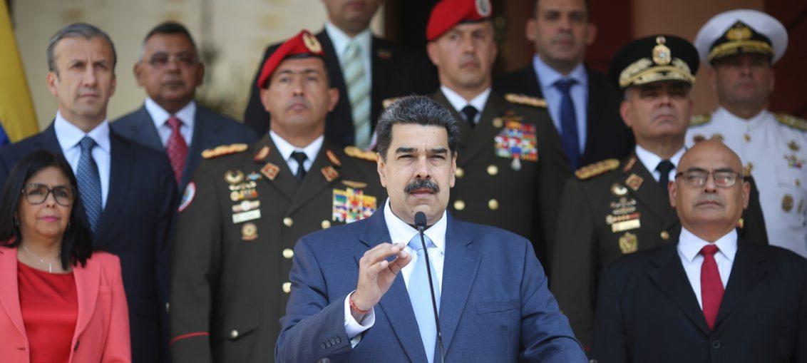 """A través de la red social twitter, el mandatario escribió """"desfachatez en extremo contra la dignidad de Venezuela"""" donde también compartió un comenatrio publicado en el diario Granma respecto a la nueva estrategia de la Casa Blanca hacia la nación suramericana."""