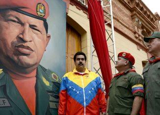 Washington envió buques de la Armada para la militarización del Caribe oriental -teatro de operaciones en una posible agresión contra el país suramericano-, a pocos días de presentar cargos de supuesto narcotráfico contra el presidente venezolano, Nicolás Maduro.