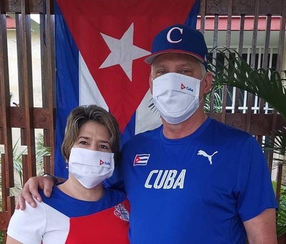 El Presidente cubano ratificó desde su cuenta de la red social Twitter que este primero de mayo es un día para celebrar y homenajear. ¨Nuestro homenaje y aplauso a los que sostienen la vida y la defienden con sacrificio, entrega y compromiso¨, afirmó el mantario cubano.