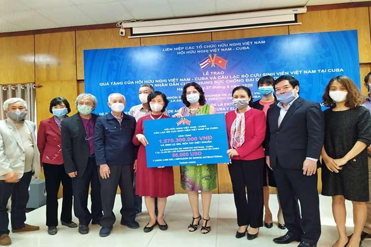La corporación vietnamita Viglacera, a través de su filial en Cuba ViMariel S.A., donó hoy 100 toneladas de arroz a los médicos y el personal de salud de la isla consagrados a combatir la epidemia de la Covid-19.