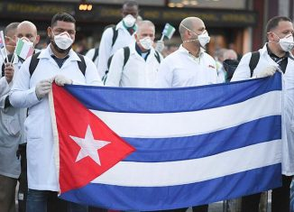 En su cuenta de twitter el canciller resaltó que, ante la emergencia sanitaria internacional, alrededor de 2 300 especialistas cubanos, organizados en 26 brigadas Henry Reeve, viajaron a 24 países a luchar contra la nueva enfermedad.