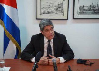 El director general de Estados Unidos de la Cancillería de Cuba, Carlos Fernández, afirmó que las agresiones estadounidenses a la isla parecen motivadas por la frustración ante sus éxitos frente a la Covid-19.