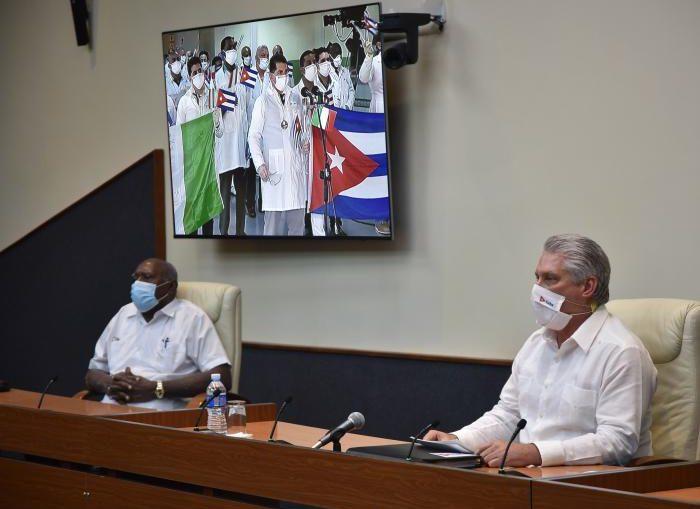 Palabras pronunciadas por el Presidente de la República de Cuba, Miguel Díaz-Canel Bermúdez, en el recibimiento a distancia a los médicos de la brigada Henry Reeve que se encontraban en Crema, Italia, al arribar al aeropuerto José Martí.