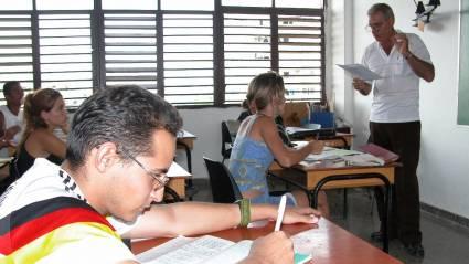 estudiantes de las facultades obreras y campesinas