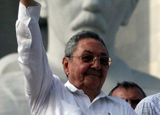 El presidente Nicolás Maduro, a través de Twitter envío un abrazo al «líder de principios revolucionarios intachables que nos llena de fuerza para continuar en la lucha por la dignidad de nuestros pueblos. ¡Gracias por tanta sabiduría, Comandante!».