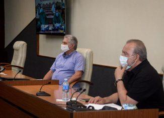 En otro estimulante encuentro en el Palacio de la Revolución con científicos y expertos, el presidente cubano consideró que las investigaciones científicas dan elementos de temas que tenemos que tratar de una manera diferente.