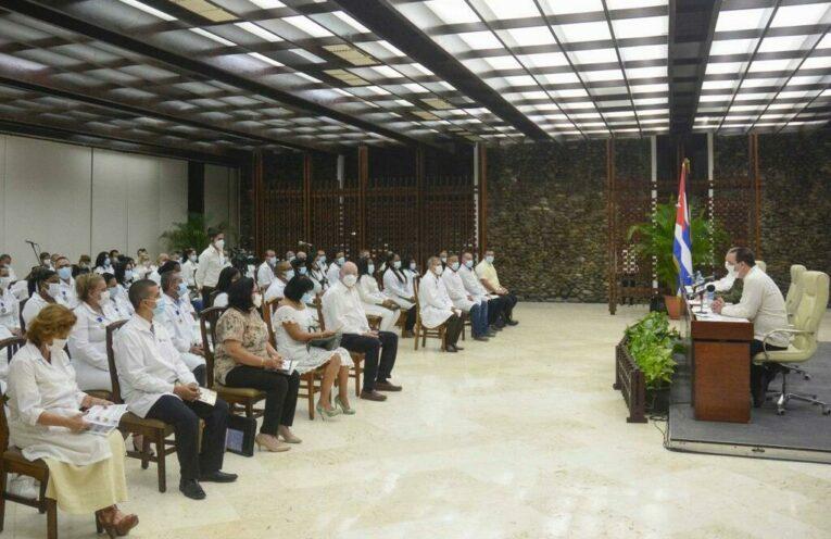 Primer Ministro de Cuba resalta labor de colaboradores médicos en la región caribeña