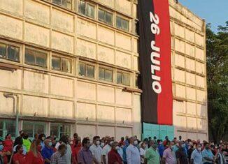 El Primer Secretario del Comité Central del Partido y Presidente de la República de Cuba, Miguel Díaz-Canel Bermúdez, visita centros de vital importancia para el país como la Empresa Eléctrica de La Habana y el Centro de Inmunología Molecular.