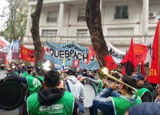 Organizaciones como el Grupo de Puebla, las Madres de la Plaza de Mayo y la Alianza Bolivariana para los Pueblos de Nuestra América-Tratado de Comercio de los Pueblos (ALBA-TCP) llamaron al respeto de la soberanía de la isla.