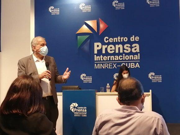 En conferencia de prensa, el doctor Mitchell Valdés-Sosa, director general del Centro de Neurociencias de Cuba, señaló que después de cinco años sigue sin explicación aceptable los incidentes de salud no identificados en diplomáticos norteamericanos.