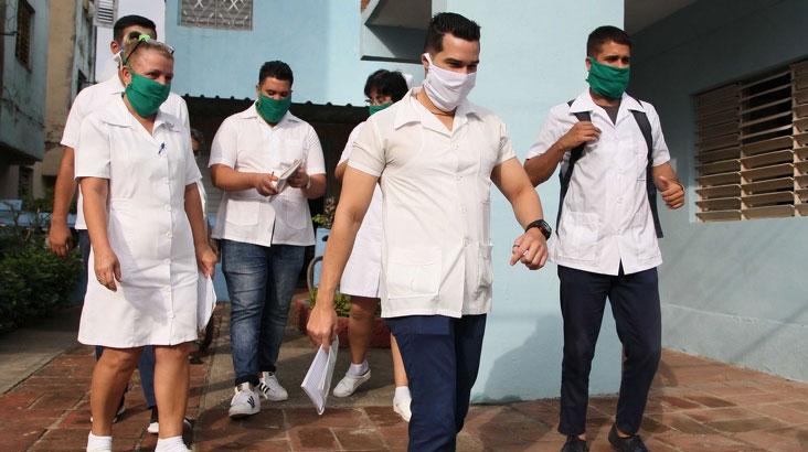 La mayor de las Antillas amaneció este jueves con 31 319 pacientes ingresados: 17 169 sospechosos, 2 559 en vigilancia y 11 591 confirmados (casos activos). El total de muestras procesadas fue 29 775.